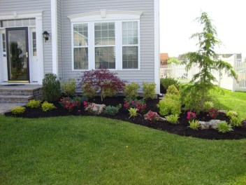 Beautiful Front Yard Landscaping Ideas 25