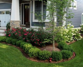 Beautiful Front Yard Landscaping Ideas 33