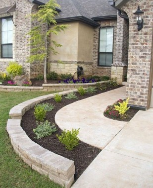 Beautiful Front Yard Landscaping Ideas 49