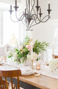 Charming Dining Room Decor Ideas For Valentines Day 12
