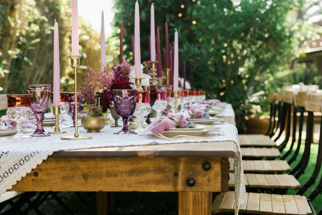 Charming Dining Room Decor Ideas For Valentines Day 36