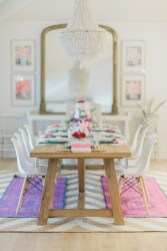 Charming Dining Room Decor Ideas For Valentines Day 49