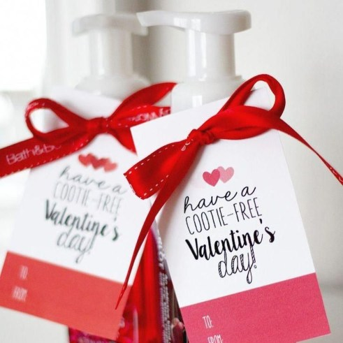 Comfy Valentine Decor Ideas For This Year 55