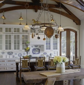 Delightful French Country Kitchen Design Ideas 46