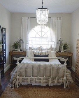 Stylish Farmhouse Bedroom Decor Ideas 08