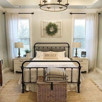 Stylish Farmhouse Bedroom Decor Ideas 09