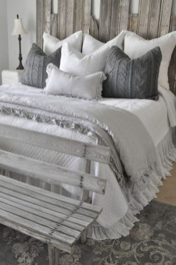 Stylish Farmhouse Bedroom Decor Ideas 15