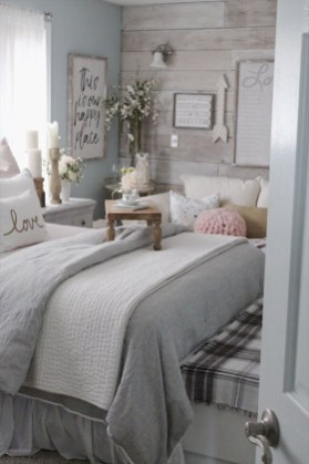 Stylish Farmhouse Bedroom Decor Ideas 25