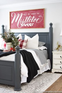 Stylish Farmhouse Bedroom Decor Ideas 29