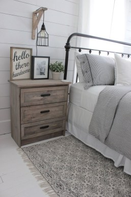 Stylish Farmhouse Bedroom Decor Ideas 33