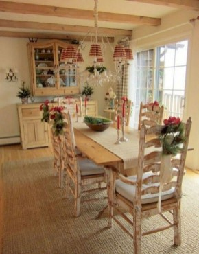 Amazing French Country Dining Room Table Decor Ideas 25