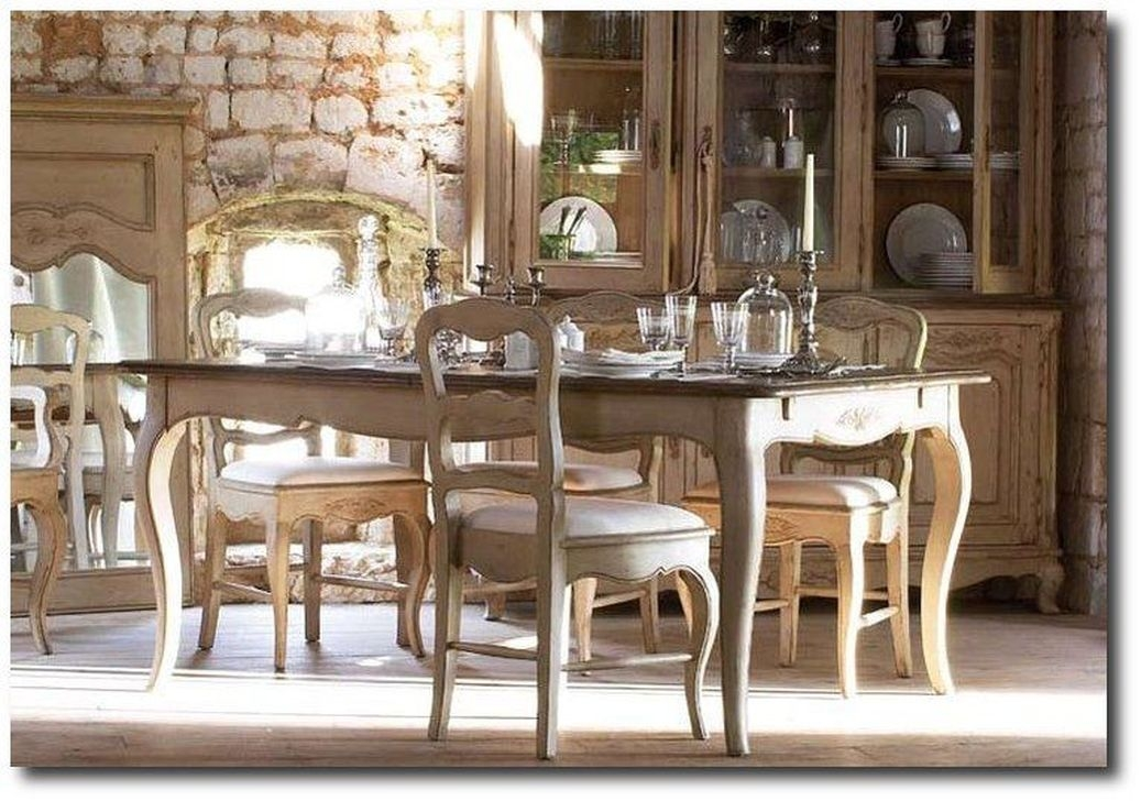 20+ Amazing French Country Dining Room Table Decor Ideas ...