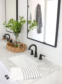 Awesome Bathroom Makeover Ideas On A Budget 38