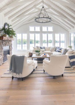 Lovely Farmhouse Living Room Decor Ideas 33