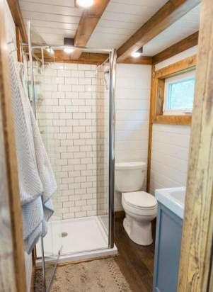 Perfect Tiny House Bathroom Design Ideas 16