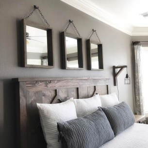 Pretty Farmhouse Master Bedroom Decorating Ideas 38