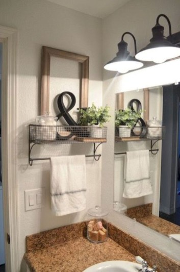 Wonderful Farmhouse Bathroom Decor Ideas 46