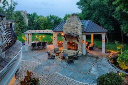 Wonderful Outdoor Fireplace Design Ideas 31