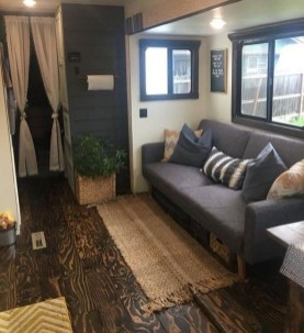 Wonderful Rv Camper Van Interior Decorating Ideas 30
