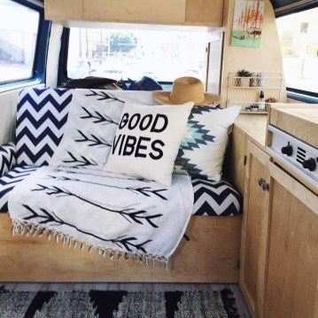 Wonderful Rv Camper Van Interior Decorating Ideas 39