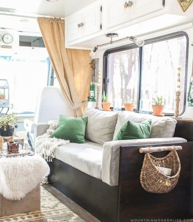 Wonderful Rv Camper Van Interior Decorating Ideas 48