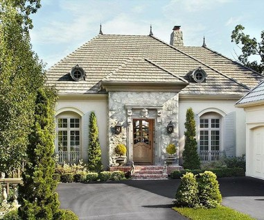 Awesome French Country Exterior Design Ideas For Home 40