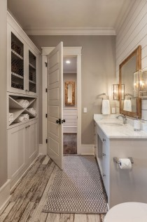 Elegant Farmhouse Bathroom Wall Color Ideas 31