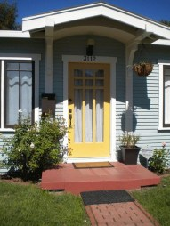 Flawless Exterior House Paint Ideas With Yellow Colors 24