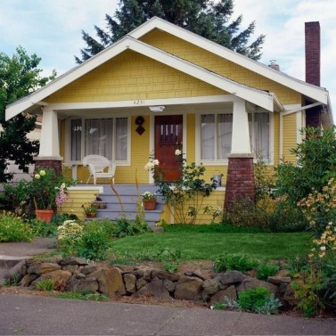 Flawless Exterior House Paint Ideas With Yellow Colors 27