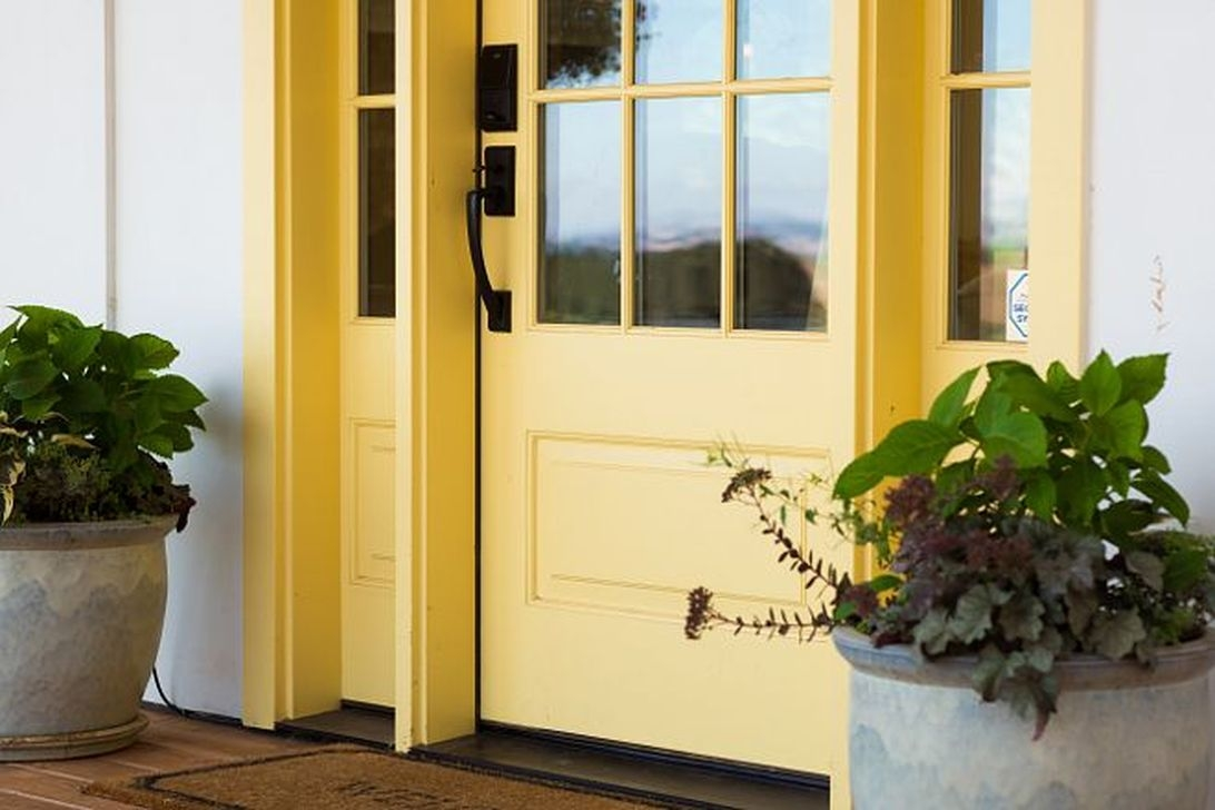 Flawless Exterior House Paint Ideas With Yellow Colors 43