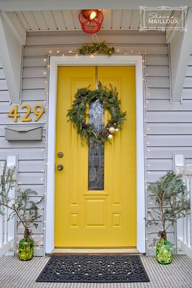 Flawless Exterior House Paint Ideas With Yellow Colors 44