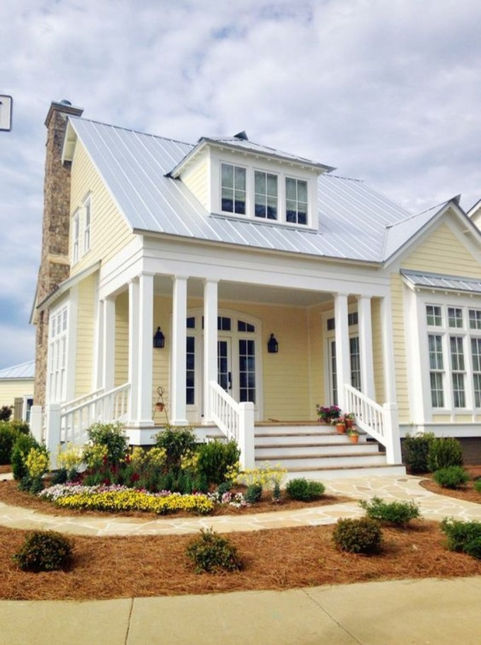 Flawless Exterior House Paint Ideas With Yellow Colors 50