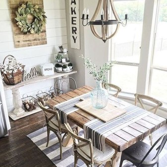 Inspiring Farmhouse Dining Room Design Ideas 34