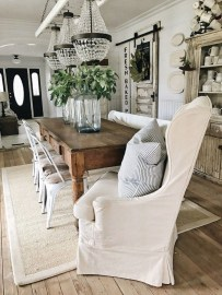 Inspiring Farmhouse Dining Room Design Ideas 36