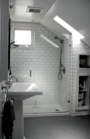 Modern Attic Bathroom Design Ideas 02