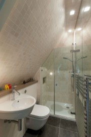 Modern Attic Bathroom Design Ideas 10