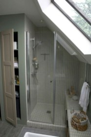 Modern Attic Bathroom Design Ideas 41