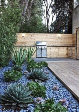 Stunning Front Yard Courtyard Landscaping Ideas 38