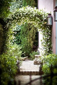 Stunning Front Yard Courtyard Landscaping Ideas 58