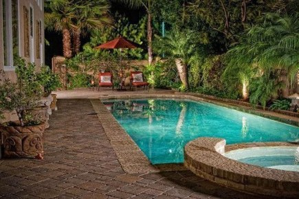 Amazing Natural Small Pools Design Ideas For Backyard 48