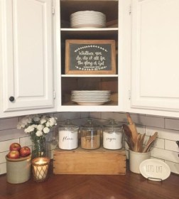 Attractive Kitchen Decorating Ideas With Farmhouse Style 20