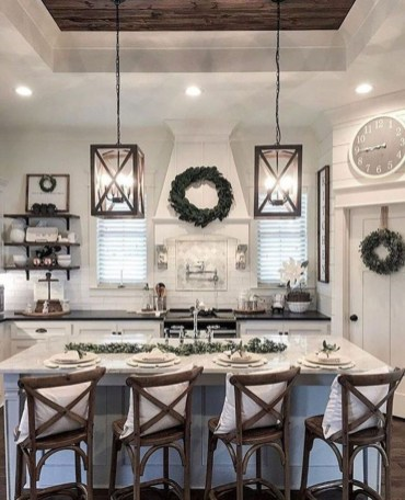 Attractive Kitchen Decorating Ideas With Farmhouse Style 43