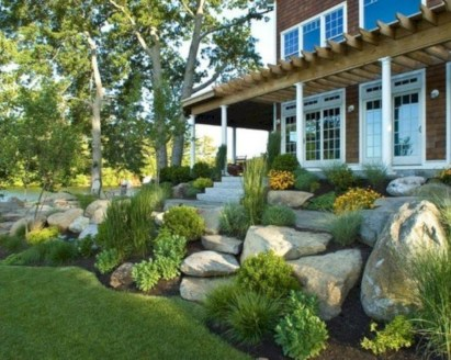 Brilliant Rock Garden Landscaping Ideas For Front Yard 33