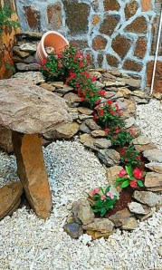 Brilliant Rock Garden Landscaping Ideas For Front Yard 40