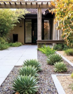 Brilliant Rock Garden Landscaping Ideas For Front Yard 52