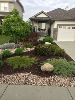 Fantastic Front Yard Rock Garden Ideas 05