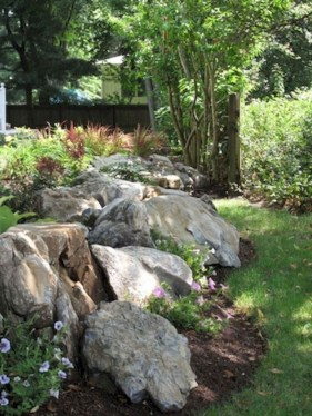 Fantastic Front Yard Rock Garden Ideas 41
