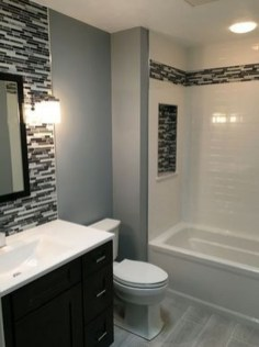 Gorgeous Small Bathroom Remodel Ideas On A Budget 12