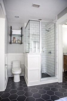 Gorgeous Small Bathroom Remodel Ideas On A Budget 28