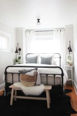 Minimalist Bedroom Decorating Ideas For Small Spaces 12
